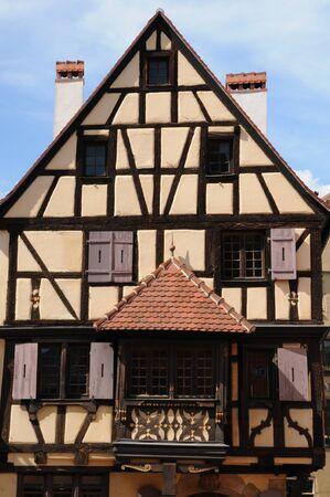 haut rhin: Francia, el pueblo de Turckheim en Haut Rhin