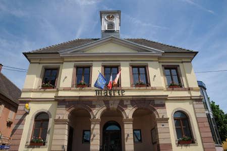 haut: Haut Rhin, the city hall of Westhalten