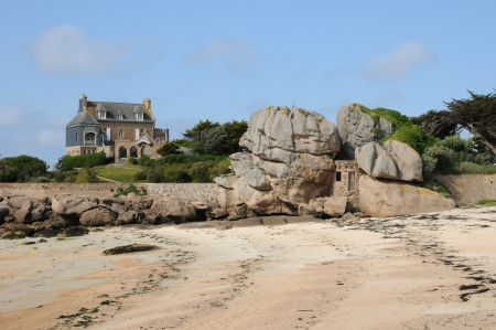 France, Renote island in Tregastel Stock Photo - 17635667