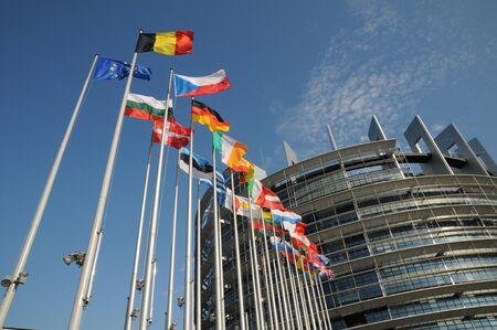 フランス、フラグ、ストラスブールの欧州議会 報道画像