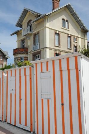 cabane plage: France, cabane de plage dans la ville de Houlgate en Normandie Banque d'images