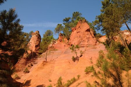 ochre: France, the Ochre Footpath in Roussillon