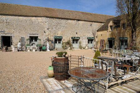 Ile de France, antique shop in Bois l Epicier farm in Houdan