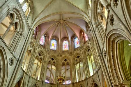 hommes: Caen, la Abbaye aux Hommes en Normand? Editorial