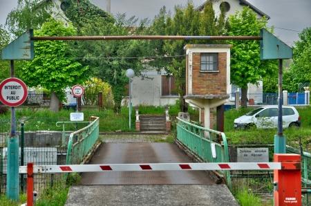 les: Ile de France, old house in Les Mureaux
