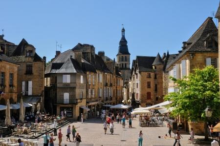 France, la ville pittoresque de Sarlat la Canéda, en Dordogne Éditoriale