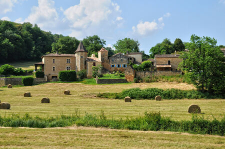 et: France, the picturesque village of Lacapelle Biron