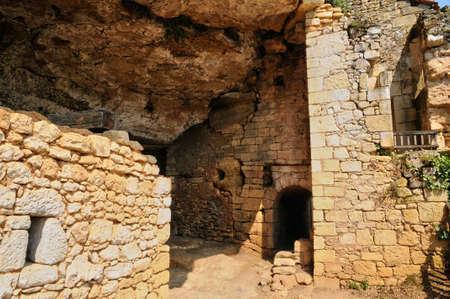 madeleine: France, l Abri de la Madeleine troglodytic site in Tursac