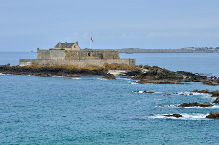 et: France, the picturesque city of Saint Malo in Bretagne Editorial