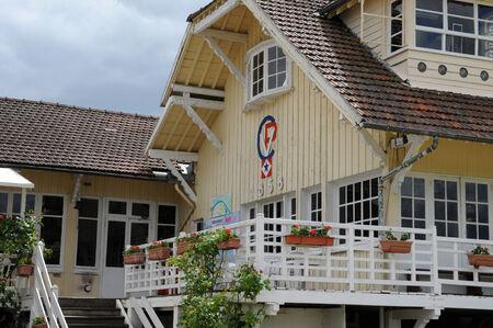 nautic: France, the picturesque nautic club of les Mureaux in Les Yvelines