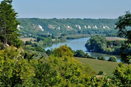 ile de france: Ile de France, the picturesque village of La Roche Guyon