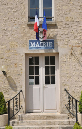 Ile de France, the city hall of Guiry en Vexin in Val d Oise Stock Photo - 28280765