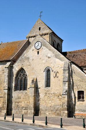 Ile de France, the church of Seraincourt in Val d Oise Stock Photo - 28281072