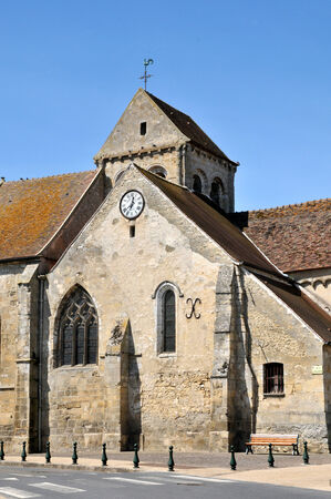 Ile de France, the church of Seraincourt in Val d Oise Stock Photo - 28281099