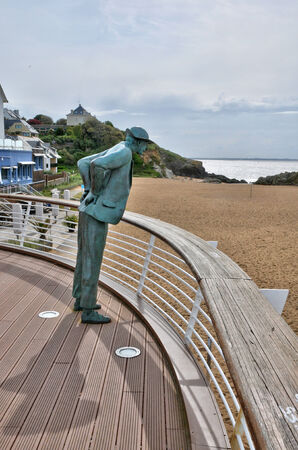 pays: France; the statue of Monsieur Hulot on the beach of Saint Marc sur Mer