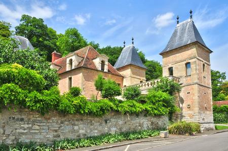 ile de france: Ile de France, the picturesque castle of Medan  Editorial