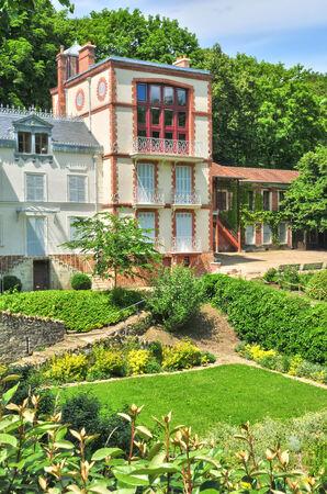 ile de france: Ile de France, the picturesque Emile Zola house in Medan