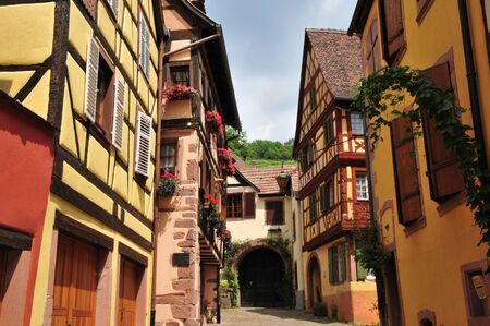 haut: France, the picturesque city of Kaysersberg in Alsace