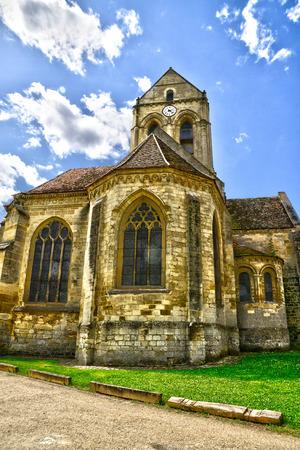 Ile de France, de pittoreske kerk van Auvers sur Oise, geschilderd door Vincent Van Gogh
