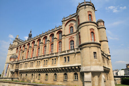 イル ・ ド ・ フランス、美しい城のサン ジェルマン アン レー 写真素材 - 31006981
