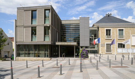 municipality: Ile de France, the city hall of Les Mureaux Editorial