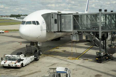 charles de gaulle: Ile de France, a plane in Charles de Gaulle airport in Val d Oise
