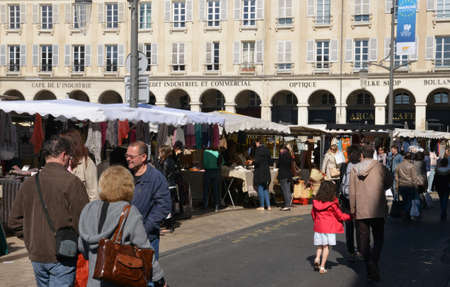 en: Ile de France, the picturesque market of Saint Germain en Laye