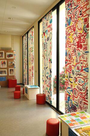les: ile de france, the multimedia library of les mureaux