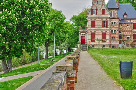 historical building: Ile de France, Yvelines, Bouvaist manor in Les Mureaux