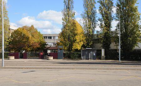 les: ile de  France, a school in Les Mureaux