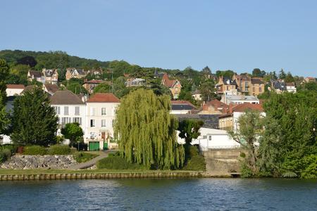 ile de france: Ile de France, the picturesque city of Triel sur Seine