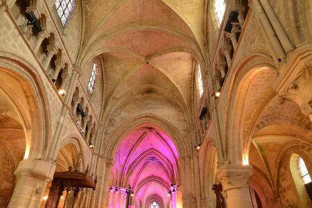 ile de france: Ile de France, the picturesque church of Auvers sur Oise