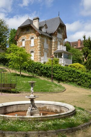 seine: Ile de France, the picturesque village of Villennes sur Seine Editorial