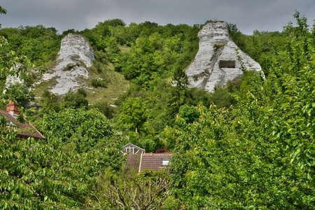 ile de france: Ile de France, the picturesque village of Haute Isle