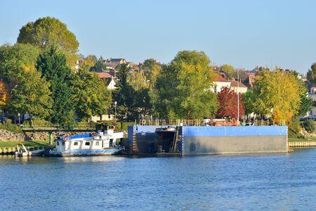 ile de france: Ile de France, the picturesque landscape of Triel sur Seine