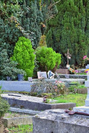 bois: Ile de France, the picturesque cemetery of Saint Lambert des Bois Editorial