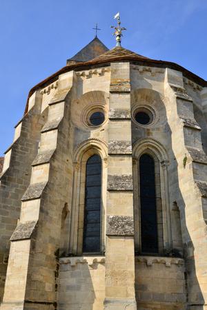 ile de france: Ile de France, the picturesque church of Vetheuil Stock Photo