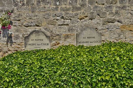 van gogh: Ile de France, Van Gogh tomb in the picturesque village of Auvers sur Oise