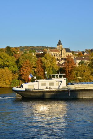 seine: Ile de France, the picturesque landscape of Triel sur Seine