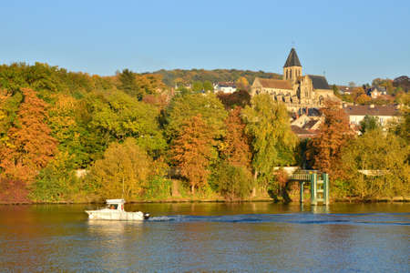 sur: Ile de France, the picturesque landscape of Triel sur Seine