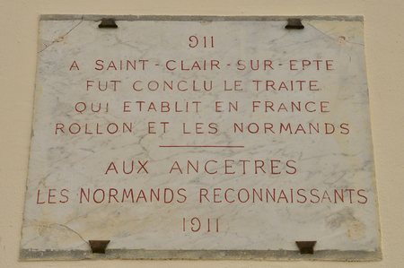 clair: Ile de France, a sign related to the treaty of Saint Clair sur Epte in 911