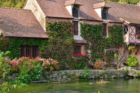 water mill: Normandie, restaurant in the picturesque water mill of Fourges in Eure