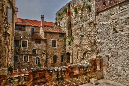 Croacia; la ciudad pintoresca e histórica de Split, en los Balcanes