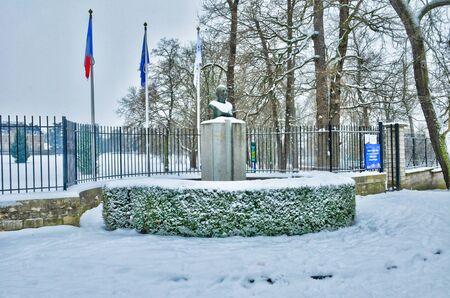 ile de france: Ile de France, the city of Les Mureaux in winter