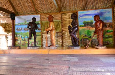 esclavo: Martinica, la pintoresca sabana esclavo de Les Trois Ilets en West Indies Editorial