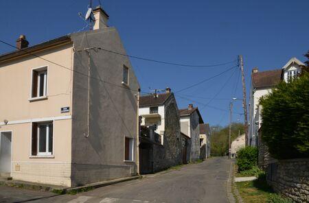 sur: Ile de France, the picturesque village of gaillon sur montcient