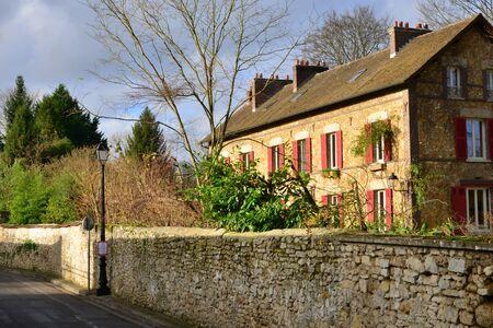 ile de france: Ile de France, the picturesque village of Brueil en Vexin