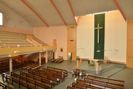 haut: Cergy le Haut, France - august 8 2015 : the modern church in the center of the city city Editorial