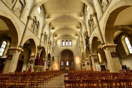 saint nicolas: Maisons Laffitte, France - april 4 2016 : the Saint Nicolas church Editorial