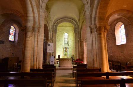 saint nicolas: Villennes sur Seine, France - april 4 2016 : the Saint Nicolas church Editorial